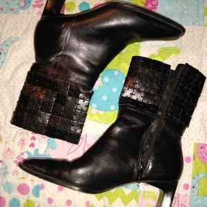 Shoes - Elegant leather black boots 6.5